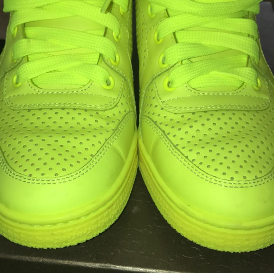 d33d97092706 Gucci Neon Green Fluo Matt Sneakers Size US 6 Regular (M