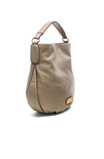 Preload https://img-static.tradesy.com/item/21985845/marc-by-marc-jacobs-q-hillier-convertible-tan-leather-hobo-bag-0-0-540-540.jpg