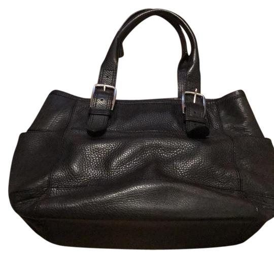 Preload https://img-static.tradesy.com/item/21985846/cole-haan-black-leather-small-commuter-tote-0-1-540-540.jpg