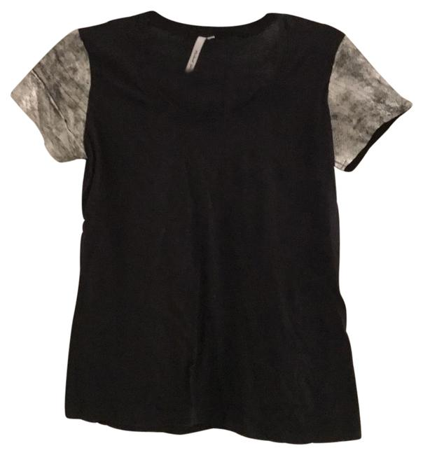 Item - Black and Silver Tee Shirt Size 6 (S)