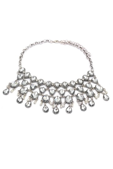 Preload https://img-static.tradesy.com/item/21987004/silver-mesh-crystal-necklace-0-0-540-540.jpg