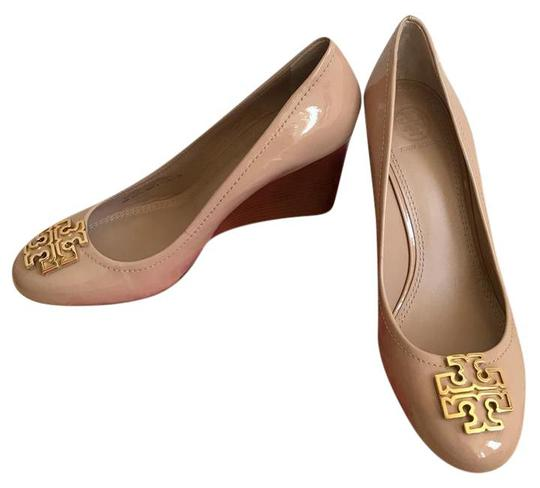 Preload https://img-static.tradesy.com/item/21987267/tory-burch-beige-gold-melinda-85mm-soft-patent-calf-closed-toe-wedges-size-us-8-regular-m-b-0-0-540-540.jpg