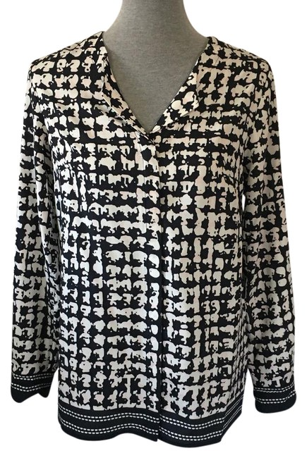 Preload https://img-static.tradesy.com/item/21987288/karl-lagerfeld-black-white-pink-abstract-blouse-button-down-top-size-6-s-0-1-650-650.jpg