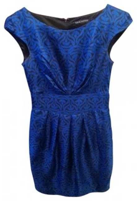 Preload https://img-static.tradesy.com/item/21990/banana-republic-navy-silk-printed-sheath-above-knee-cocktail-dress-size-00-xxs-0-0-650-650.jpg