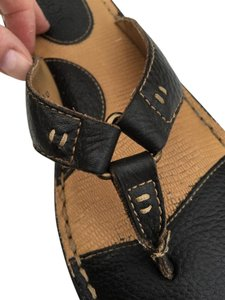B.O.C. Cushioned Thong T Strap Support Tan Sandals