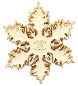 Chanel #13655 Rare CC Enamel plated Snowflake gold hardware pin Brooch