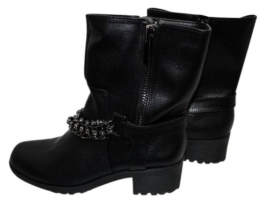 Preload https://img-static.tradesy.com/item/21990897/simply-vera-vera-wang-black-new-biker-with-chains-m-bootsbooties-size-us-6-regular-m-b-0-1-540-540.jpg