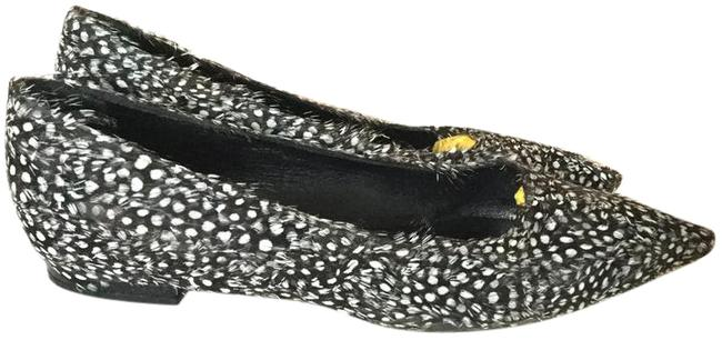 Item - Black and White Pointed Toe Feather Flats Size US 8.5 Regular (M, B)