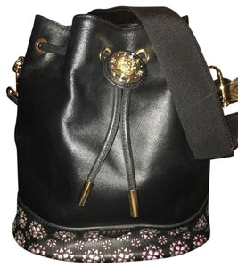 453e5719a1 Versus Versace Bags - Up to 90% off at Tradesy