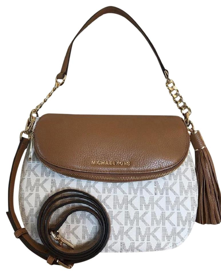 59ba218161ba2 Michael Kors Mk Bedford Medium Pvc Leather Vanilla Acorn 191262019913  Shoulder Bag Image 0 ...