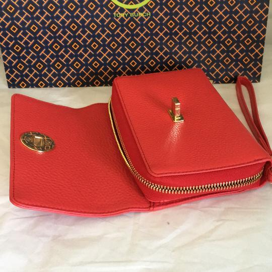 Tory Burch Wristlet in red
