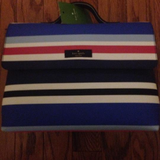 Preload https://img-static.tradesy.com/item/21994005/kate-spade-laurel-way-printed-cosmetic-bag-0-0-540-540.jpg