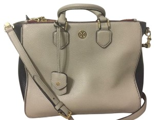 Tory Burch Tote in Natural, black, oxblood