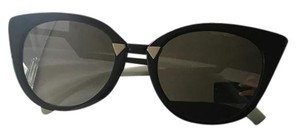 607861512c5c Women's Sunglasses - Up to 70% off at Tradesy