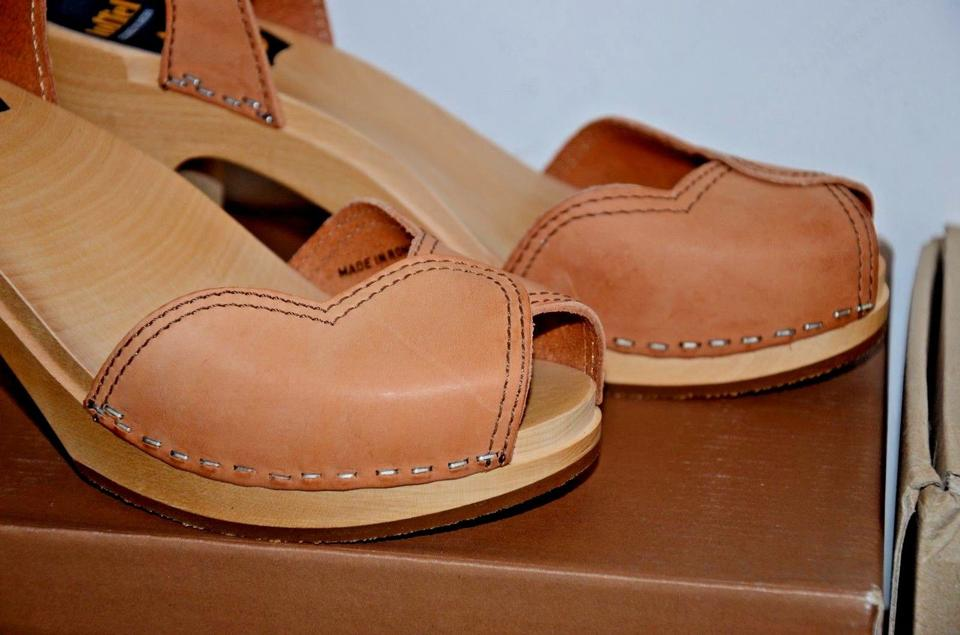 be18fa32c82a swedish hasbeens Natural Leather Heart Wooden Platform 40 Us Sandals Size US  9 Regular (M