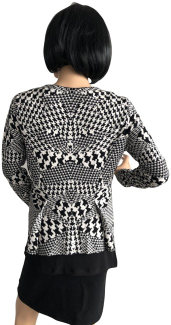 Item - Black & White Hounds Tooth Sweater Jacket Size 8 (M)