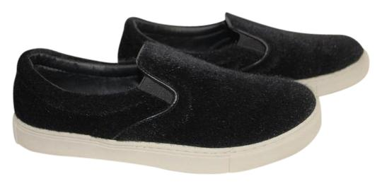Preload https://img-static.tradesy.com/item/21995969/black-new-furry-comfortable-walking-flats-size-us-8-regular-m-b-0-1-540-540.jpg
