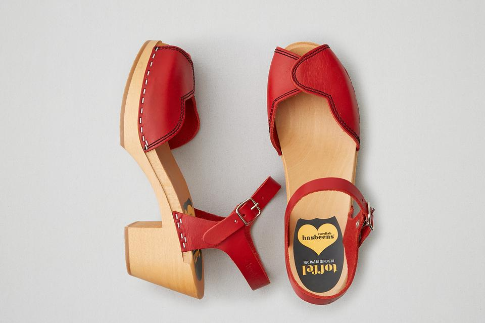3106625915c4 swedish hasbeens Red Heart Wooden Platform Leather 40 Us 9 New Sandals Size  US 10 Regular (M