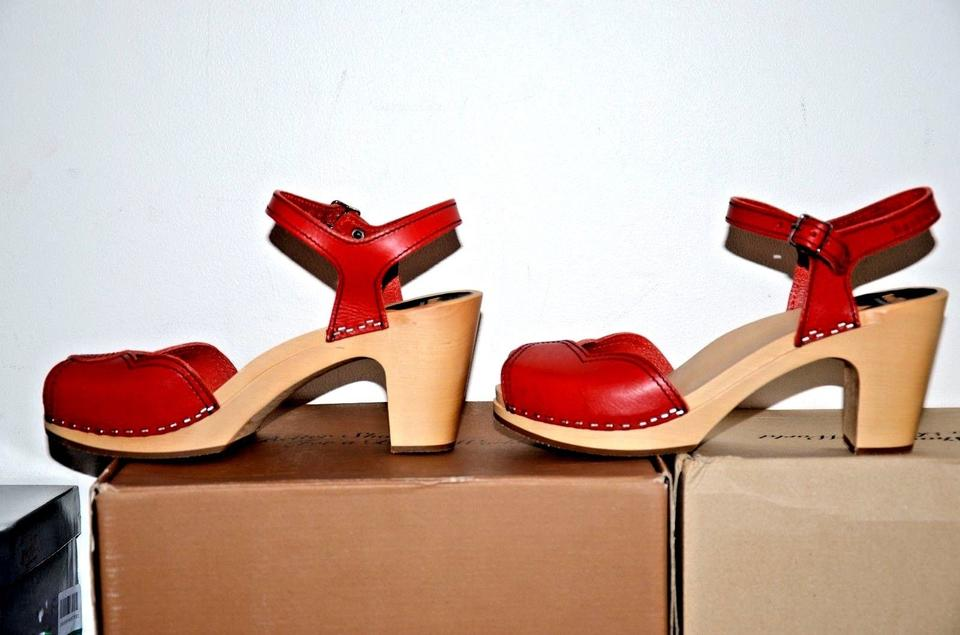 2a396320d7a9 swedish hasbeens Wooden Heart Summer Red Sandals Image 10. 1234567891011
