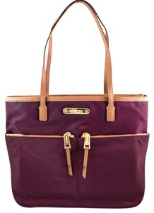 Michael Kors Tote in plum