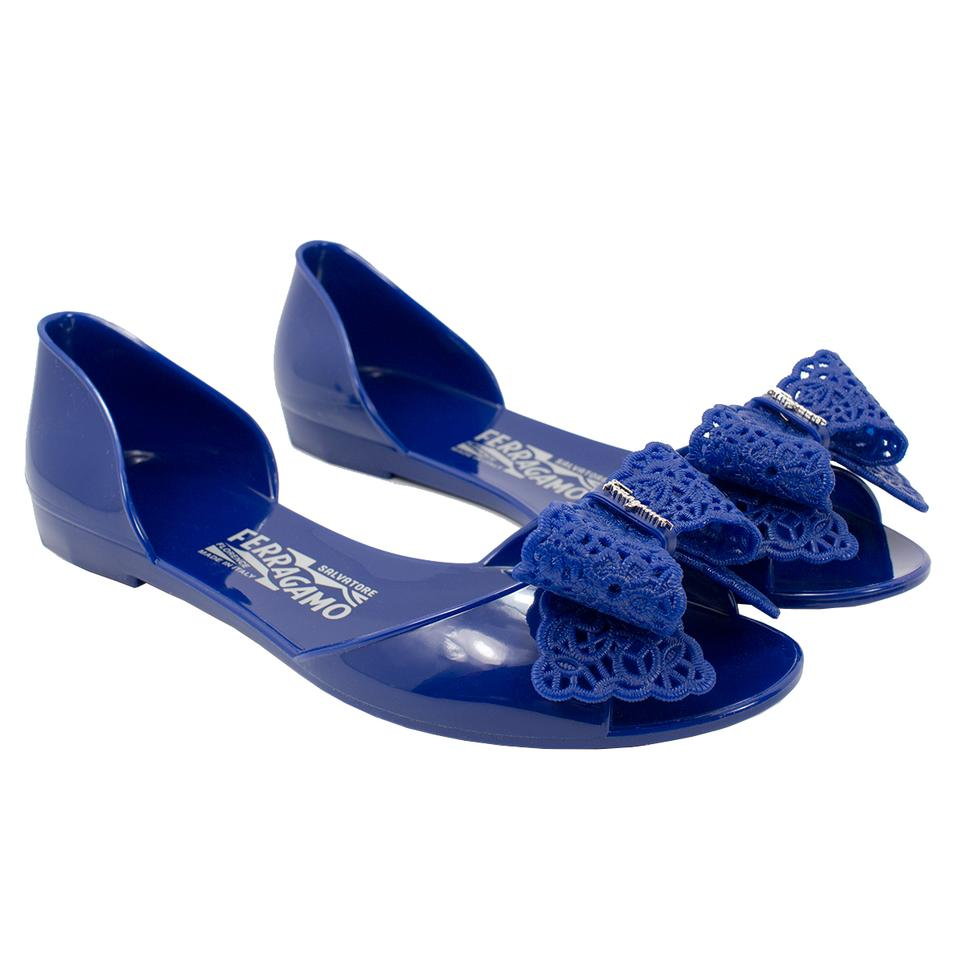 e6b1dc259162 Salvatore Ferragamo Zaffiro Preita Lace-bow Jelly Flat Sandals. Size  US 7  Regular (M ...