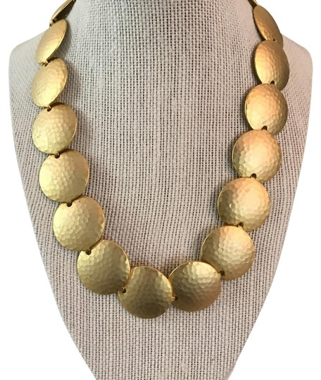 Preload https://img-static.tradesy.com/item/22000186/gold-hammered-circles-necklace-0-1-540-540.jpg