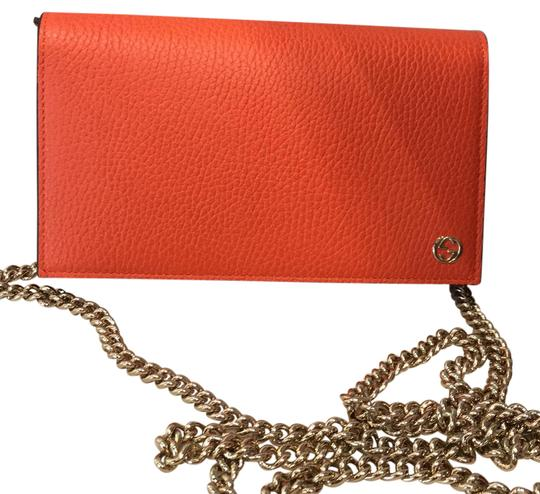 Preload https://img-static.tradesy.com/item/22000194/gucci-leather-wallet-on-chain-orange-cross-body-bag-0-1-540-540.jpg