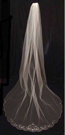 White Long One Tier Scallop Cathedral with Beads Bridal Veil Image 2