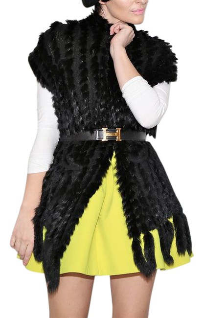 Preload https://img-static.tradesy.com/item/22000598/black-wool-and-rabbit-fur-vest-size-10-m-0-1-650-650.jpg