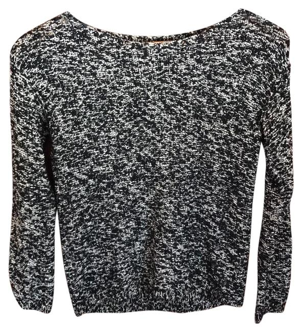 Preload https://item1.tradesy.com/images/alice-olivia-black-and-white-sweaterpullover-size-4-s-22000825-0-2.jpg?width=400&height=650