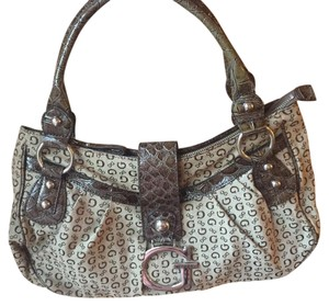 Guess Tote in Brown