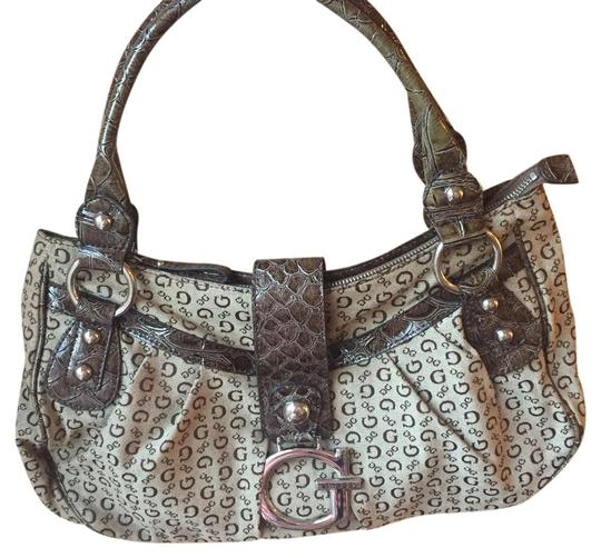 Preload https://item1.tradesy.com/images/guess-large-brown-tote-22001005-0-1.jpg?width=440&height=440