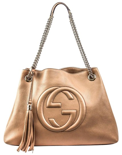 Preload https://item3.tradesy.com/images/gucci-soho-chain-camelia-medium-textured-shoulder-308-beige-leather-tote-22001142-0-1.jpg?width=440&height=440