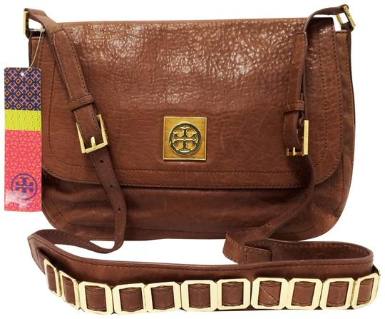 Preload https://item5.tradesy.com/images/tory-burch-louiisa-small-coffee-leather-messenger-bag-22001379-0-13.jpg?width=440&height=440