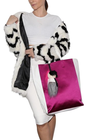 Preload https://img-static.tradesy.com/item/22001916/celine-cabas-fushia-lambskin-pink-and-white-leather-and-satin-tote-0-1-540-540.jpg