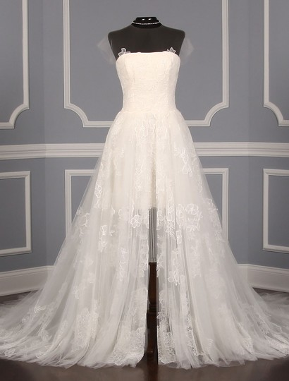Preload https://img-static.tradesy.com/item/22002034/vera-wang-diamond-white-chantilly-lace-and-tulle-lucia-formal-wedding-dress-size-8-m-0-1-540-540.jpg