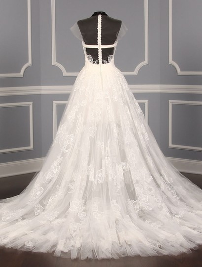 Vera Wang Diamond White Chantilly Lace and Tulle Lucia Formal Wedding Dress Size 8 (M)