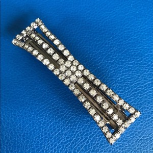 Henri Bendel Crystal Barrette Hair Accessory
