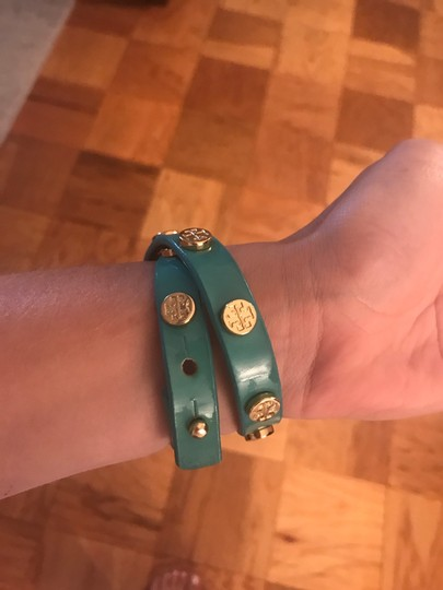 Tory Burch Tory Burch Turquoise Double Wrap Logo Bracelet with Gold Logo