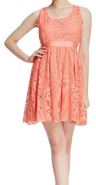 Item - Peach Odette Strapless Mid-length Short Casual Dress Size 0 (XS)