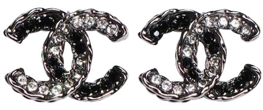 Preload https://img-static.tradesy.com/item/22003150/chanel-crystal-silver-black-grey-ruthenium-cc-logo-classic-medium-box-a61721-earrings-0-1-540-540.jpg