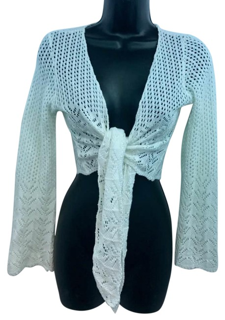 Preload https://item1.tradesy.com/images/white-knit-cotton-cropped-s-blouse-size-6-s-22003240-0-1.jpg?width=400&height=650
