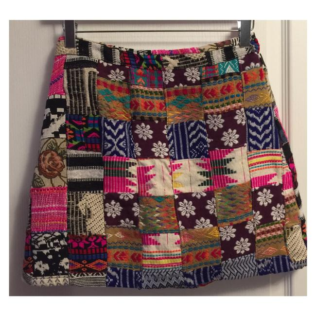 Preload https://item5.tradesy.com/images/alice-olivia-multicolor-patchwork-tapestry-bohemian-miniskirt-size-2-xs-26-22003299-0-0.jpg?width=400&height=650