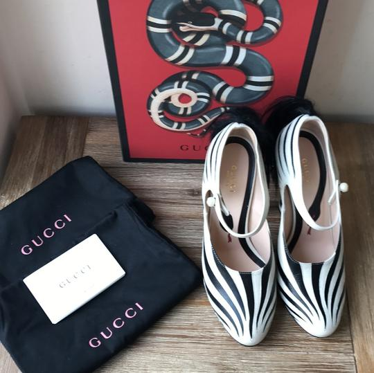 Gucci black white Pumps