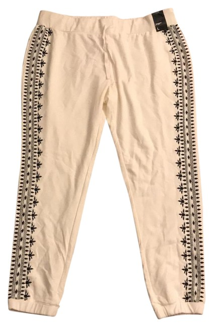 Preload https://item2.tradesy.com/images/new-york-and-company-off-white-and-black-joggers-leggings-size-12-l-32-33-22003336-0-1.jpg?width=400&height=650
