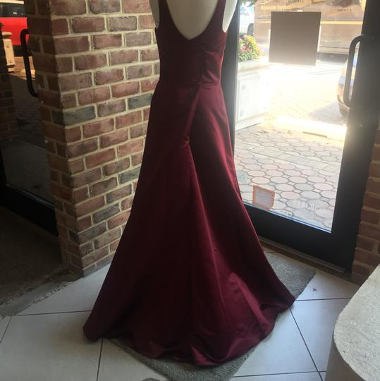 Hayley Paige Burgundy Satin 5666 Formal Bridesmaid/Mob Dress Size 10 (M)