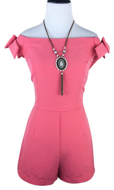 Preload https://item5.tradesy.com/images/romeo-and-juliet-couture-pink-coral-peach-off-the-shoulder-bow-one-piece-short-romperjumpsuit-size-1-22003459-0-1.jpg?width=400&height=650
