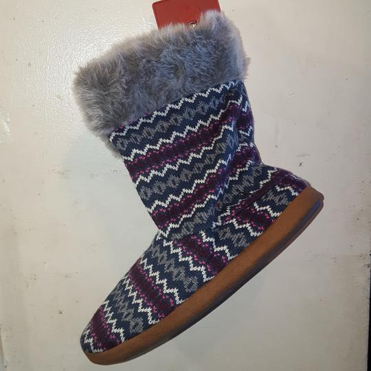 Dluxe by Dearfoams Comfy Soft purple\ grey multicolor Boots Image 2