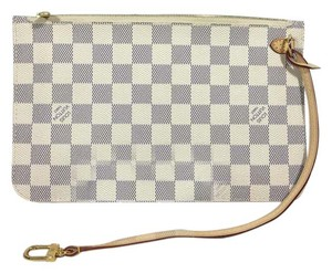 Louis Vuitton brand new neverfull pouch