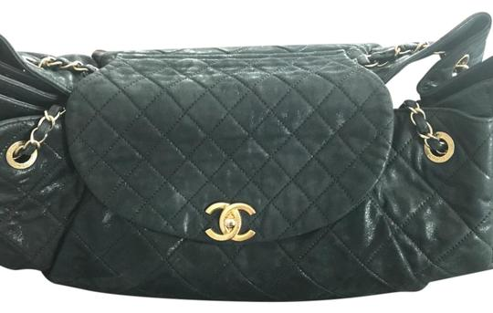 Preload https://img-static.tradesy.com/item/22004571/chanel-wallet-on-chain-blue-caviar-half-moon-navy-leather-cross-body-bag-0-1-540-540.jpg